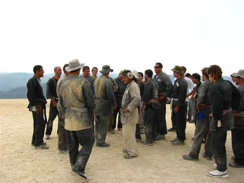 Akban veterans gather for start, 2004